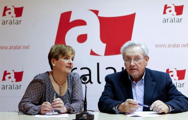 """Aralar afirma que los presos de ETA asumen responsabilidades, """"algo que no hacen otros"""""""