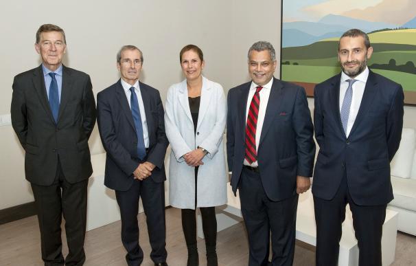 """Barkos y el embajador de Francia valoran las vías de colaboración, """"reforzadas"""" por la incorporación a la eurorregión"""