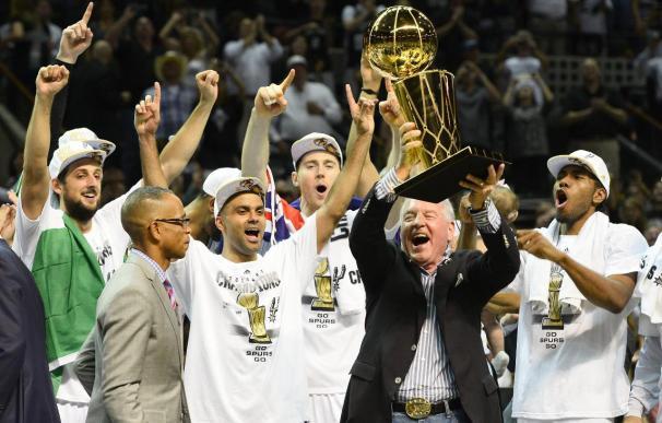 104-87. Los Spurs se exhiben y destronan a los Heat del reinado de la NBA