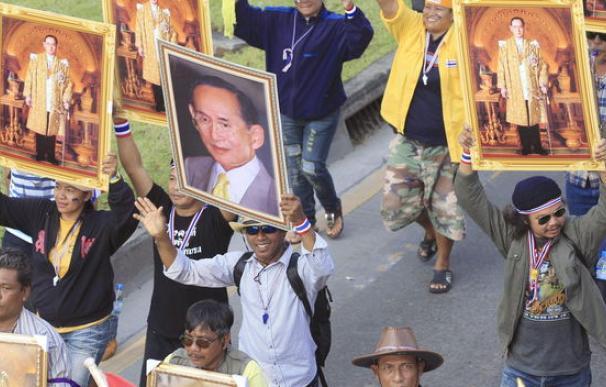 El Gobierno de Tailandia anuncia la disolución del Parlamento.