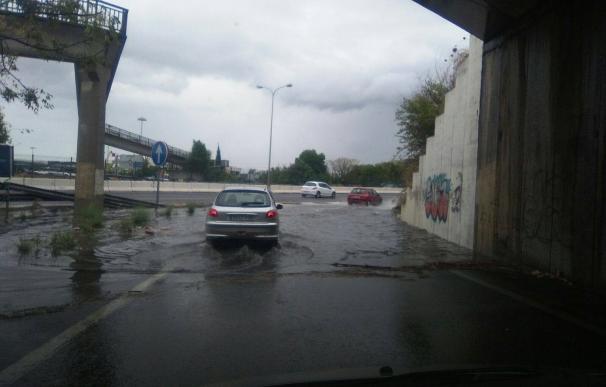 Ascienden a más de 340 las incidencias por lluvias gestionadas por el 112, la mayoría en Sevilla