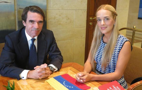 "Aznar acusa a Estados Unidos y a países latinoamericanos de guardar un ""silencio inaceptable"" con respecto a Venezuela"