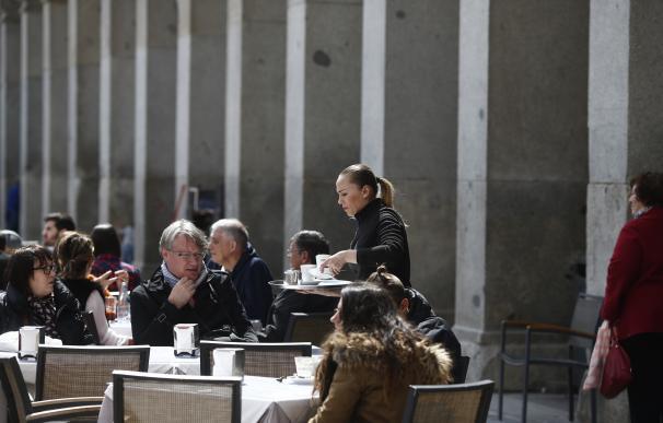 (Ampliación) El sueldo anual más habitual en España ronda los 16.490 euros, según el INE