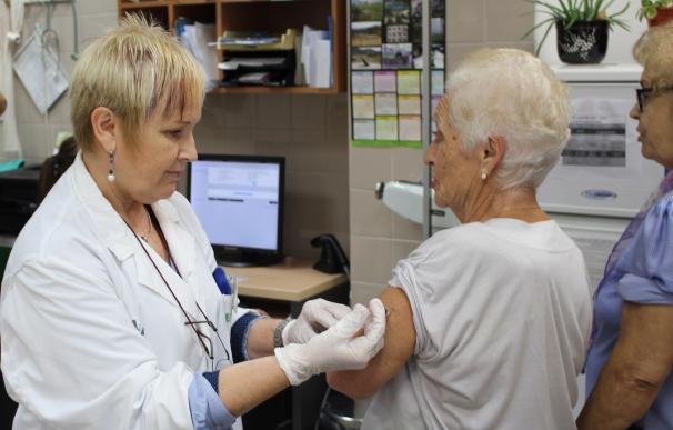 Profesionales sanitarios abogan por vacunar a los mayores de 60 años frente a la neumonía neumocócica