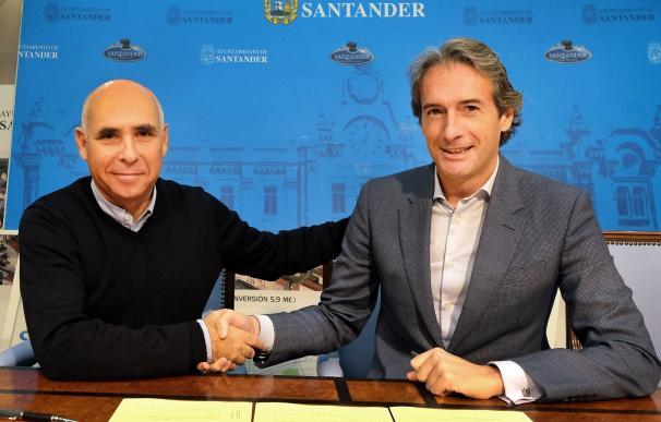Ayuntamiento y Racing firman la prórroga del convenio que da vía libre a la reparación de los campos de la Albericia