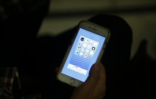 Cataluña refuerza su teléfono de Infancia para casos de acoso escolar y pide usar éste en lugar del de Educación