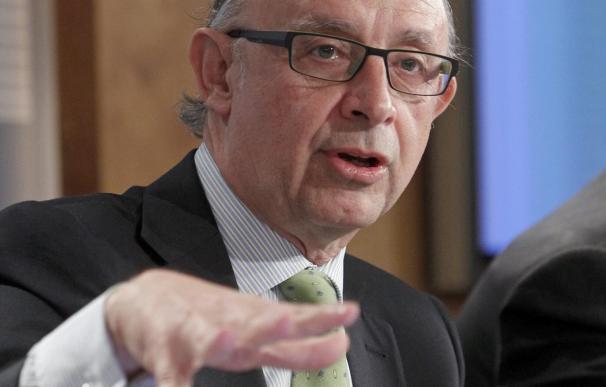 Las Comunidades Autonómas hacen que el déficit público se dispare al 8,51 por ciento al cerrar 2011