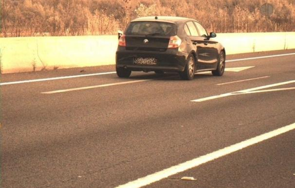 Denunciado por exceder la velocidad y conducir bajo efectos de las drogas y sin puntos