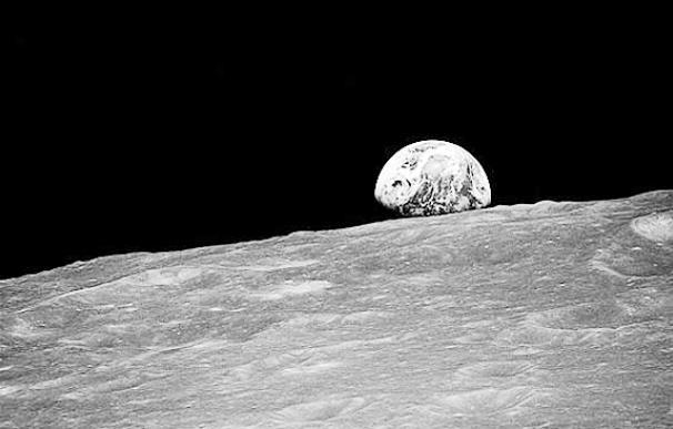 """Jim Lowell: """"Viajamos en una nave con 6.000 millones de astronautas"""""""