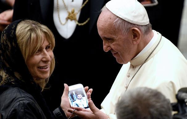El Papa recibe a familiares de víctimas del atentado de Niza