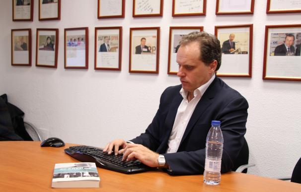 El economista Daniel Lacalle se perfila como 'comisario' para atraer empresas británicas a la Comunidad de Madrid