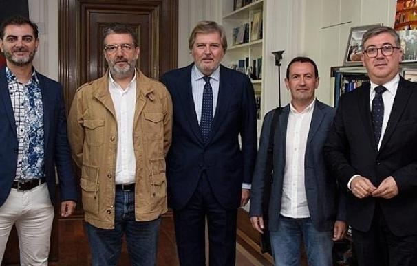 Escepticismo y desconfianza entre el profesorado ante la propuesta de pacto de Méndez de Vigo