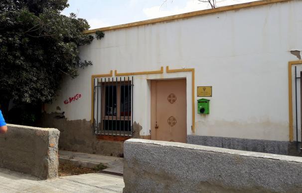 PSOE exige al PP la rehabilitación de la antigua oficina local de La Cañada para convertirla en centro cívico