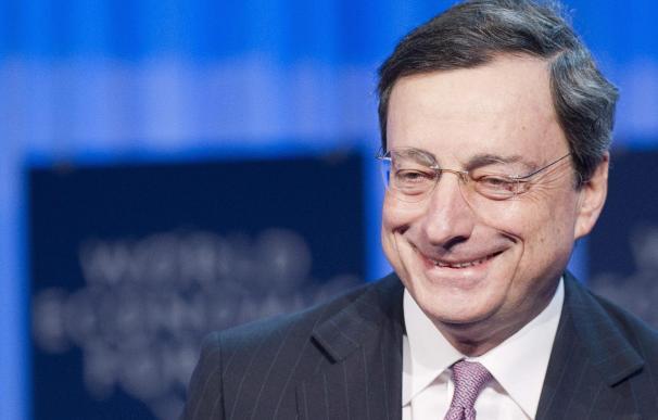 """El presidente del BCE destaca """"progresos excelentes"""" en la eurozona en los últimos meses"""