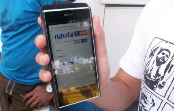 """El gobierno cubano censura los SMS que incluyen palabras como """"democracia"""" o """"derechos humanos"""""""