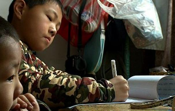 Zhang Rundong, de tres años, no tiene documento de identidad. Foto BBC