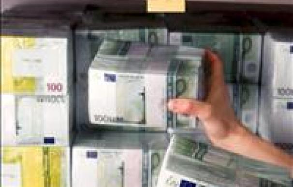 El euro baja hasta 1,4292 dólares
