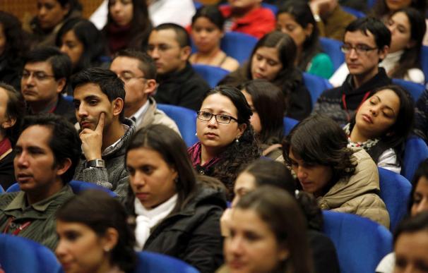 La Fundación Carolina mantendrá las becas, pese a los ajustes presupuestarios