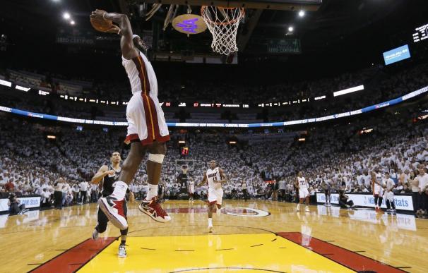 103-84. Chalmers dio la razón a James y los Heat se exhiben ante los Spurs
