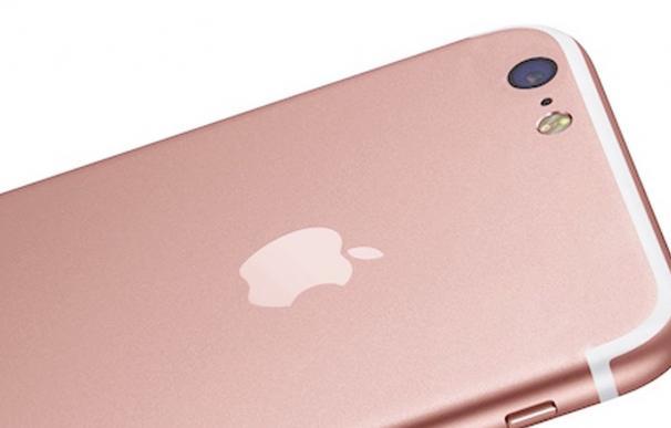 Una mujer compra un Iphone 7 por internet... ¡Y le entregan el Iphone 4 y el Iphone 3!