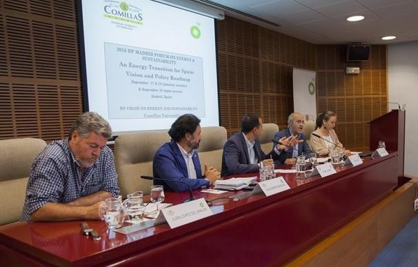 Expertos y políticos coinciden en la necesidad de un marco legislativo nacional para avanzar a una transición energética