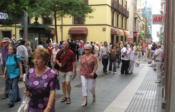 Los turistas internacionales crecen un 13% hasta agosto en Canarias y superan los 8,6 millones