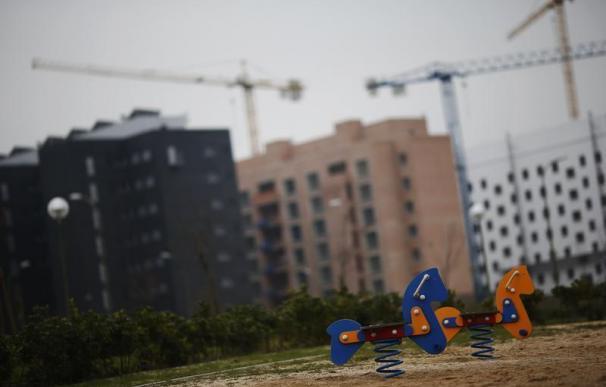 El número de visados para levantar nuevas viviendas bajó un 43,5% en 2012.