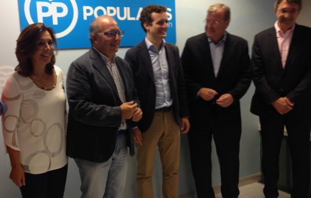 """Casado insiste en la unidad del PP y asegura que mantendrá """"mano tendida"""" a """"C's y el PSOE para desbloquear la situación"""