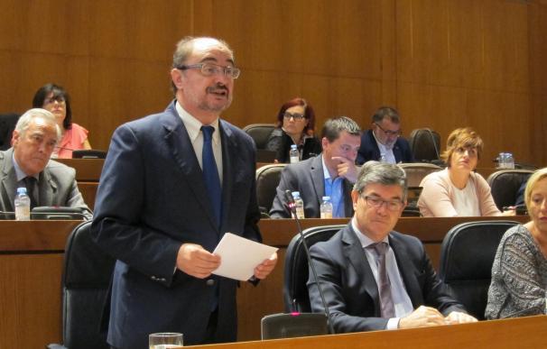 """Lambán pide para todos los municipios """"la misma posibilidad"""" que Zaragoza para negociar su normativa"""