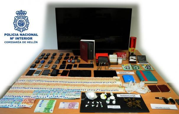 Detenidas cuatro personas en Hellín (Albacete) por tráfico de drogas e intervenidos 220 gramos de cocaína