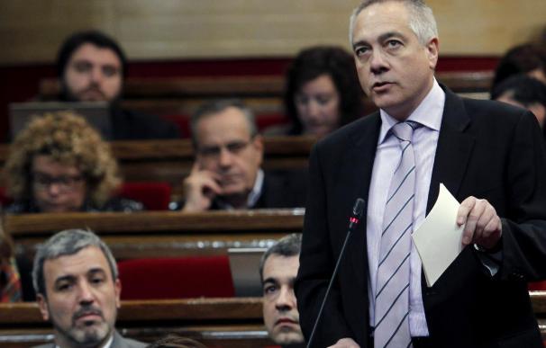 Navarro dice que Chacón no podrá ser candidata del PSC sin asumir la consulta