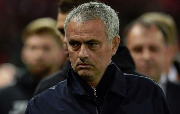 Mourinho desató su ira con uno de sus ayudantes por dar malas indicaciones a Pogba
