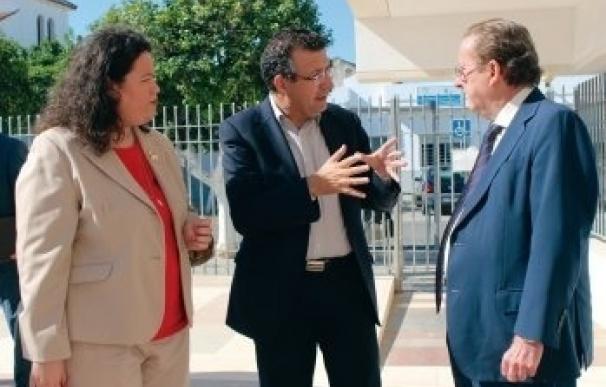 De Llera y el alcalde de La Rinconada analizan el proyecto de decreto del Reglamento de Protección Civil