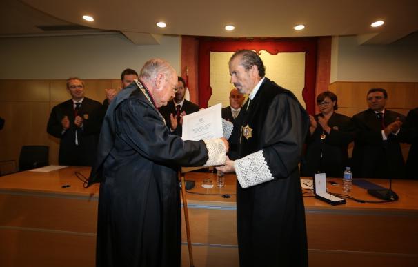 El Colegio de Abogados entrega la Medalla de Honor a Fernando García Guerrero-Strachan