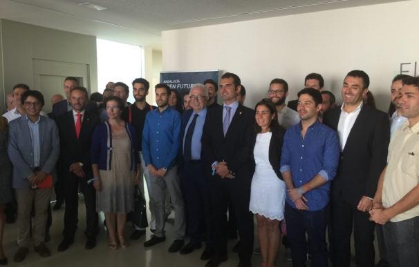 Sánchez Maldonado inaugura 'El Cable', un centro de crowdworking que acoge ya las empresas de 21 emprendedores