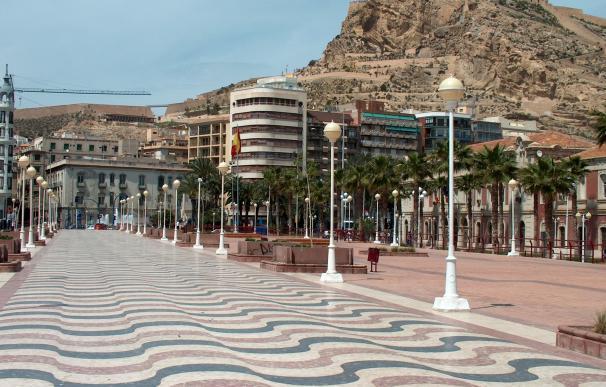 Absuelto en Alicante un acusado que contrató a una secretaria con fines sexuales