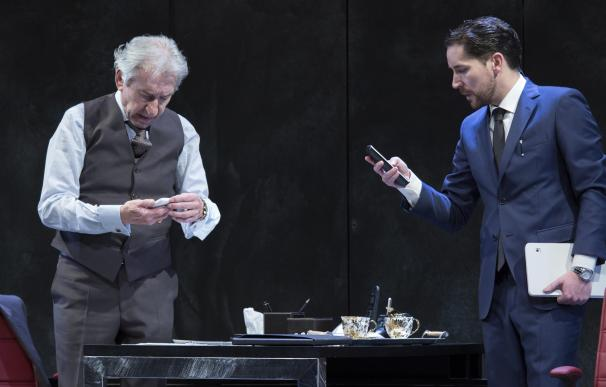 José Sacristán y Javier Godino protagonizan mañana la obra 'Muñeca de Porcelana' en el Liceo de Salamanca