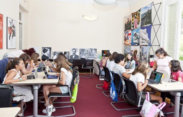 La Embajada de EEUU abre el plazo de inscripción de sus talleres tecnológicos gratuitos para niñas