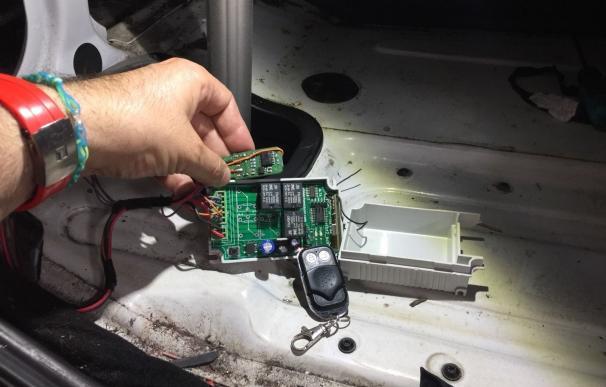 La Ertzaintza detecta en Irun un nuevo caso de trucaje de tacógrafo en un camión de gran tonelaje