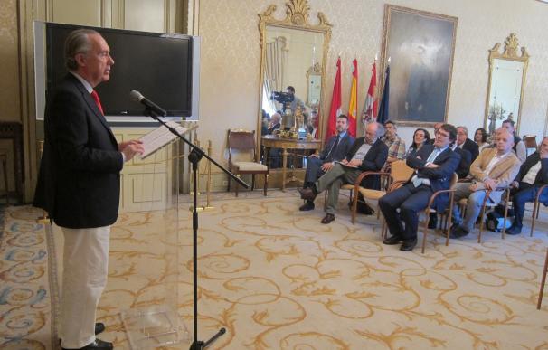 El maño Francisco López y la palentina Amalia Iglesias ganan los Premios de Novela y Poesía 'Ciudad de Salamanca'