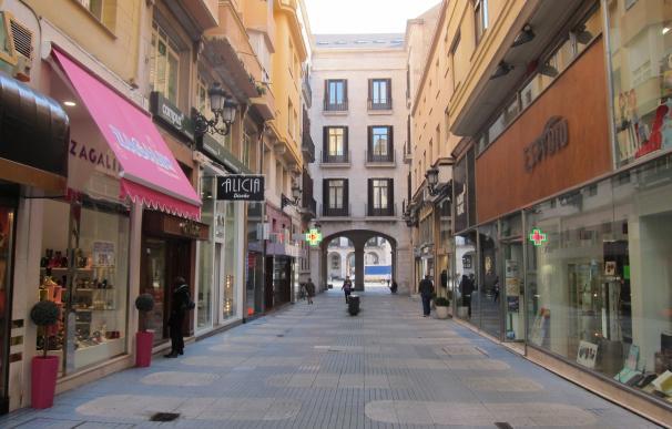 Las ventas del comercio minorista en Cantabria suben un 4,5% y el empleo un 2,3% en agosto