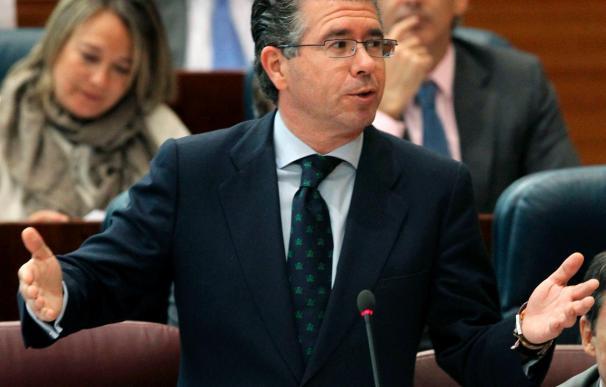 El exconsejero madrileño Granados y otros 50 detenidos en una trama de corrupción municipal y regional
