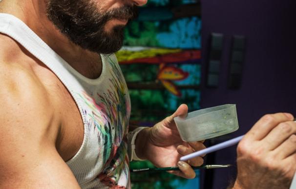 El pintor valenciano Antonio de Felipe se querella contra su exayudante