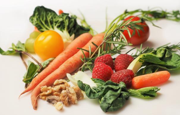 La dieta equilibrada, rica en vegetales y frutos secos, y un estilo de vida saludable reduce un 80% el riesgo de infarto