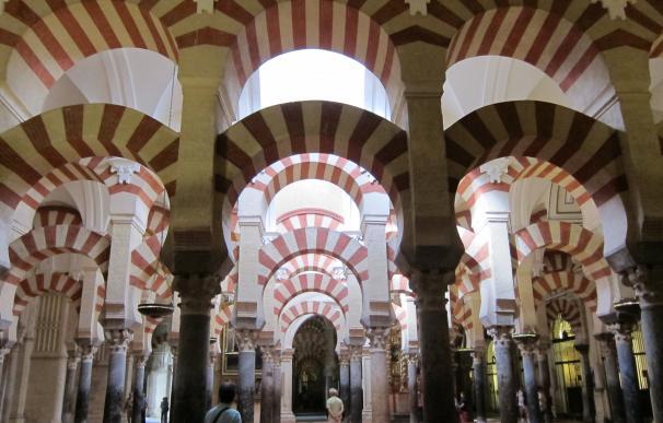 """La Junta procederá en función de su compromiso de """"diálogo"""" cuando reciba el dictamen de Icomos de la Mezquita"""