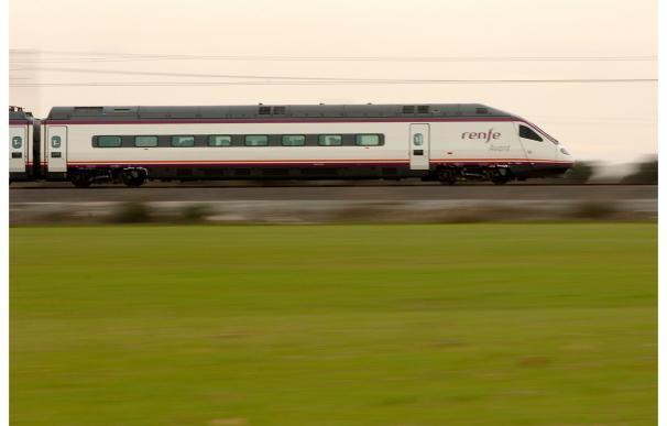 Renfe transportó casi 3,8 millones de viajeros por la línea de Alta Velocidad Madrid-Palencia-León en su primer año