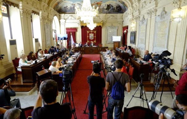 El Pleno aprueba pedir un estudio de gastos de representación y protocolo de la exgerente de Onda Azul