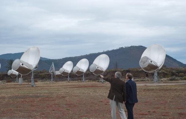 """El director de Seti Research, Seth Shostak, ve """"tonto"""" que Stephen Hawking se preocupe por los aliens"""