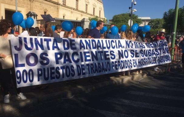 """Centenares de trabajadores de hospitales Pascual piden un concierto de 4 años que """"garantice sus puestos de trabajo"""""""