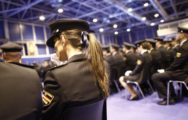 El SUP homenajea a los agentes 'olvidados' en el Día de la Policía a pesar de arriesgar su vida